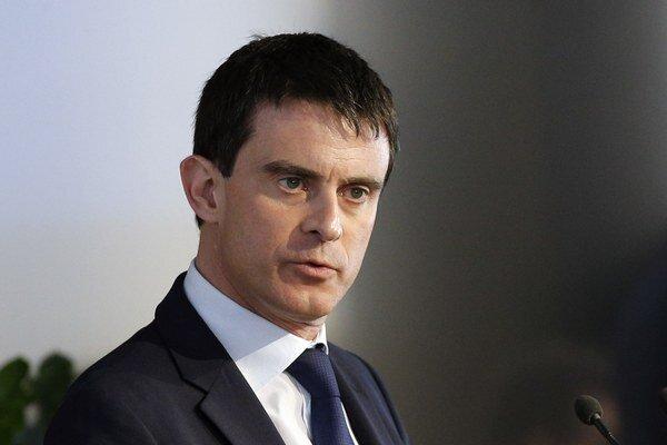 Popularita nového francúzskeho premiéra neustále rastie.