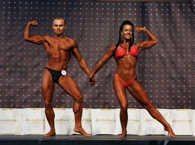 Nitran Peter Socha s partnerkou Agátou Hlavačkovou z Partizánskeho vyhral prvé miesto v súťažiach párov. Snímka je z M-SR.
