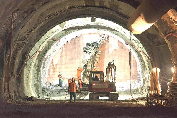 Stavba tunela Višňové.