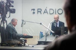 Vladimír Mečiar napriek návalom zlosti vydržal v relácii RTVS Sobotné dialógy až do konca.