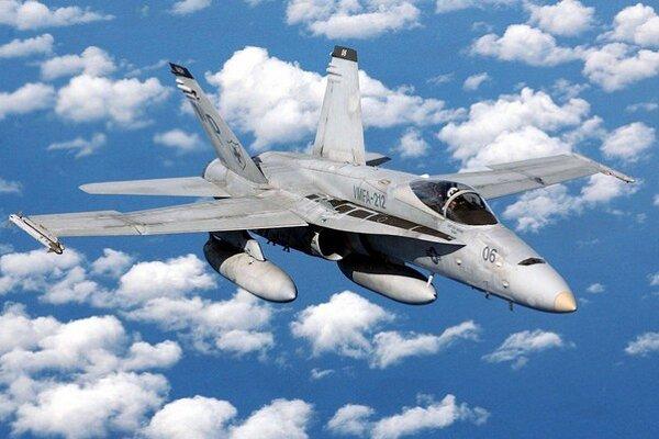 F/A-18C.