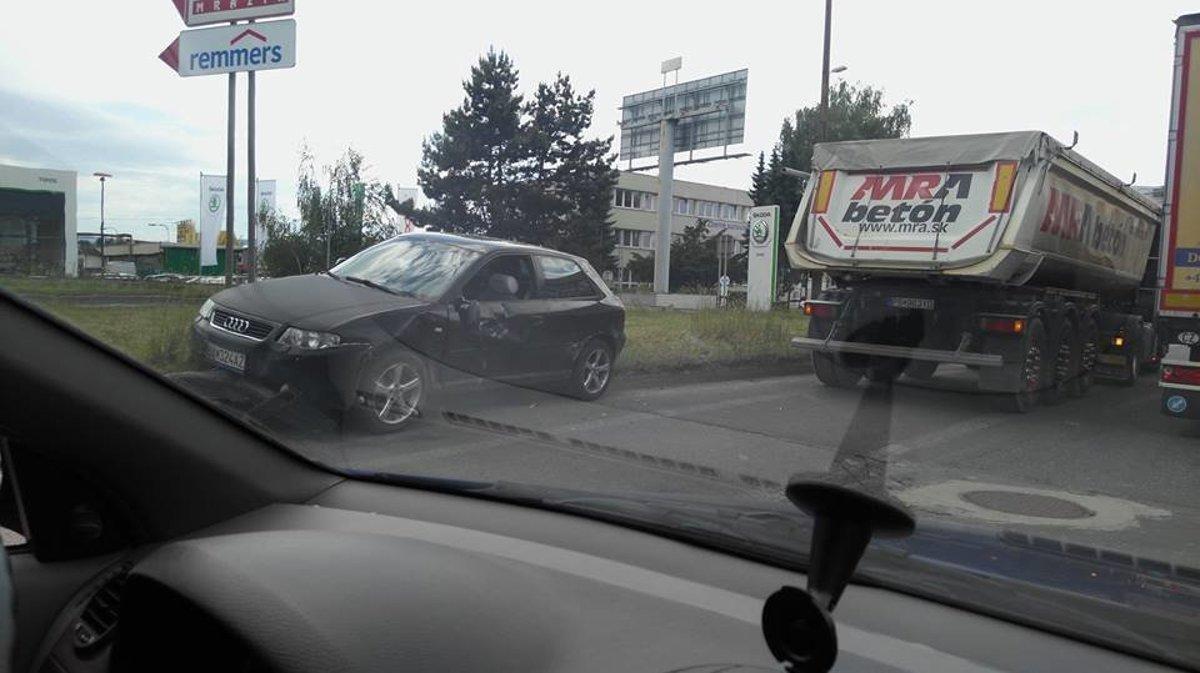 d8053563d AKTUÁLNE: Nehoda v Žiline komplikuje dopravu - SME   MY Žilina