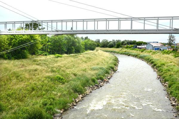 Nemá plnú funkčnosť. Fenomén vody pretekajúcej mesto má podľa urbanistov predpoklady na atraktívne využitie.
