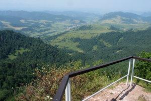 Pohľad na slovenskú stranu z Vysokých Skaliek.