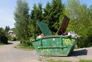 Dnes funguje zber odpadu v osade prostredníctvom veľkokapacitného kontajneru.