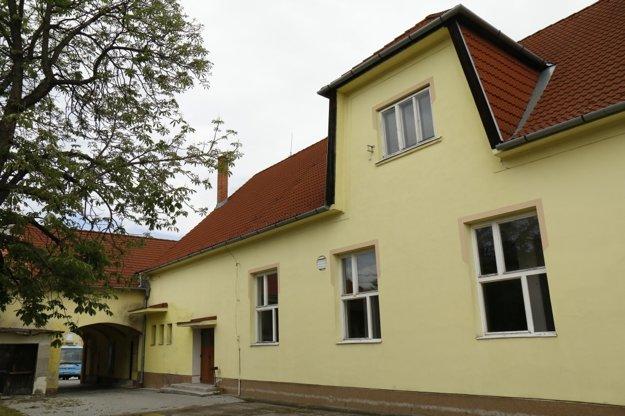 Kultúrny dom v Oslanoch.