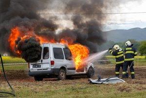 Ukážky zásahu hasičov.