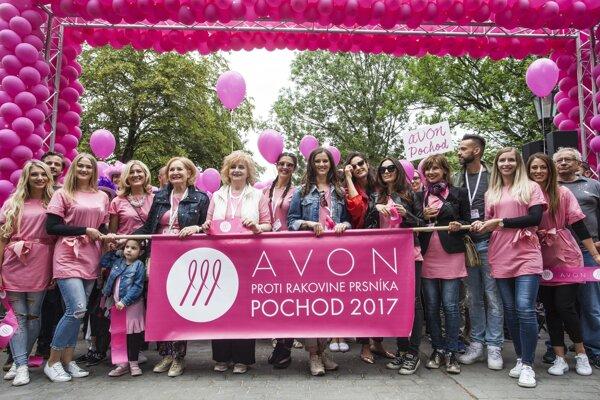 Pochod proti rakovine prsníka.