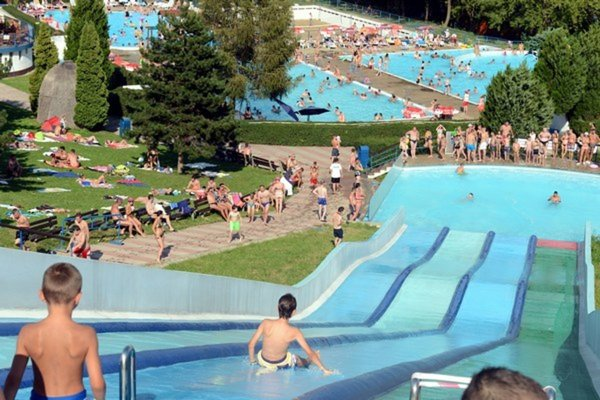 Takmer až do konca školského roka bude počasie vhodné najmä na návštevu kúpalísk.