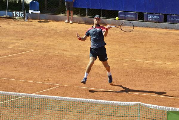 Slovenský tenista Martin Kližan nedohral zápas v Turecku.