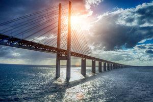 Öresundský most spája Kodaň a Malmö.