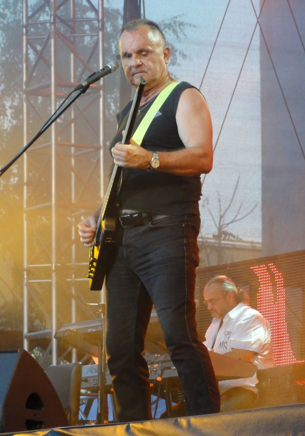 Za dôvod úspechu kapely považuje Jožo Ráž najmä ich inteligenciu.