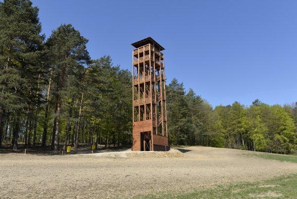 Miestne akčné skupiny stoja za množstvom projektov v obciach. MAS Vršatec napríklad pomohla s výstavbou rozhľadne v Trenčianskej Závade.