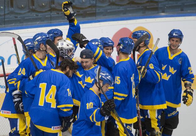 Hráči Švédska oslavujú postup do semifinále.