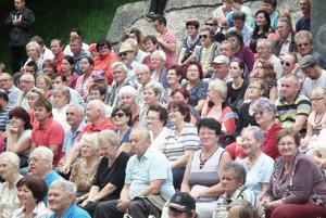 Diváci ocenili každé vystúpenie spontánnym potleskom.