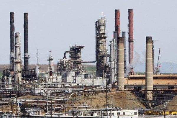 Amerika sa opäť prebíja v rebríčkoch produkcie ropy na prvé miesta.