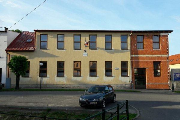 Základná škola M. R. Štefánika.
