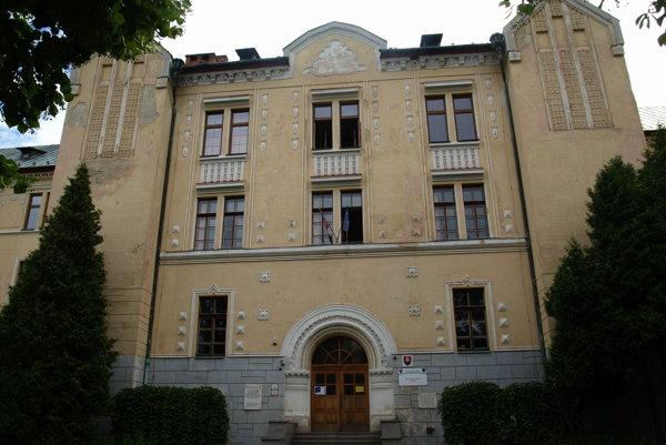 Pedagogická a sociálna akadémia v Turčianskych Tepliciach.