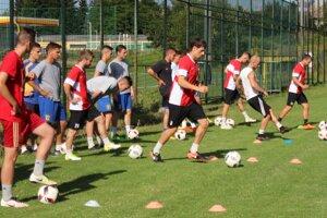 Hráči počas jedného z tréningov