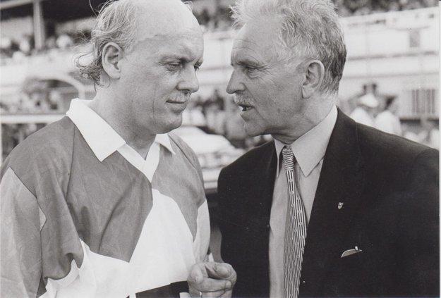 Legendárne duo. Jaroslav Pollák (vľavo) snezabudnuteľným trénerom Jánom Zacharom.