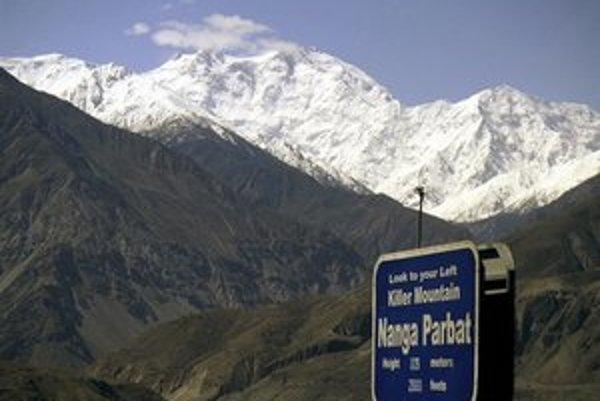 Nanga Parbat je deviatou najvyššou horou sveta a druhou najvyššou v Pakistane.