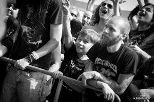 Medzi vlaňajšími návštevníkmi sa ocitli aj deti, ktoré si festivalové vystúpenia užívali dosýta.