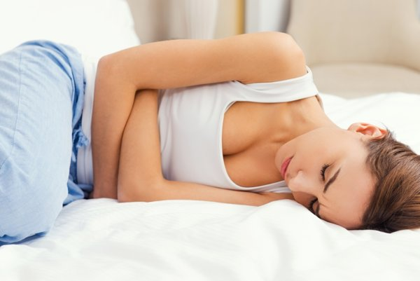 Infekcia močových ciest spôsobuje ostrú bolesť a pálenie.