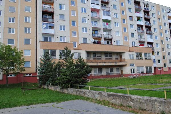 Nevyužitý priestor chátra.Poslankyňa Todáková navrhla prestavať ho na nájomné byty.