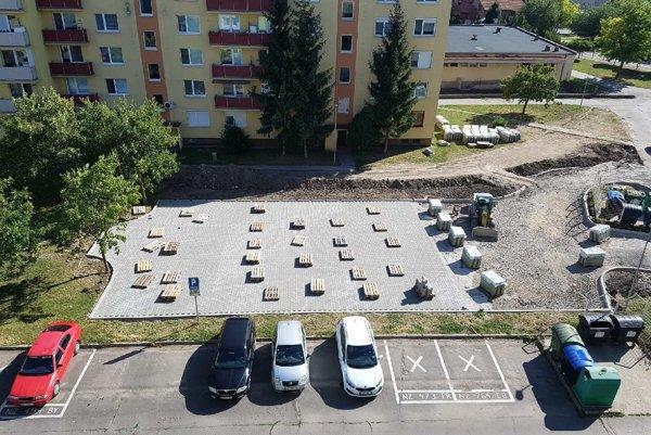 Na novom parkovisku vznikne 24 miest