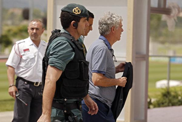 Villara zatkli v utorok ráno.
