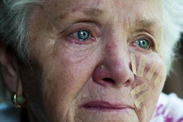Carole Mansfieldová (72) smúti za svojou vnučkou, ktorú zabili v Sýrii.