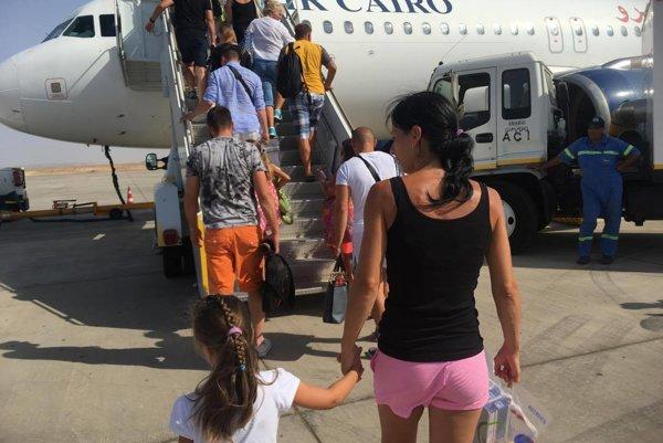 """Aj dovolenkári z Kysúc boli medzi pasažiermi, ktorí """"uviazli"""" na letisku vo Varšave."""