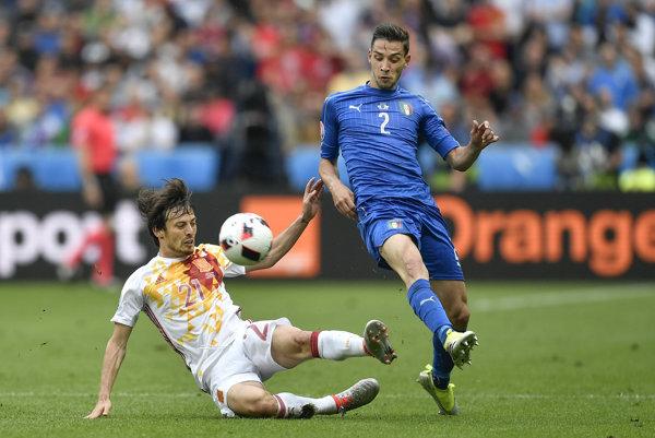 Mattia De Sciglio (vpravo) je aj talianskym futbalovým reprezentantom.