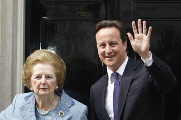 Margaret Thatcherová so súčasným premiérom Davidom Cameronom na snímke z roku 2010.