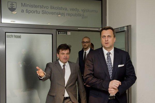 Šéf SNS Andrej Danko poslal Petra Plavčana na ministerstvo školstva ako nestraníckeho odborníka.