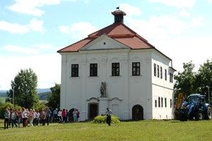 V obci Budimír v okrese Košice-okolie sa nachádza kaštieľ Florián, postavený v 15. storočí.