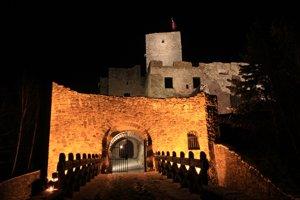 Do konca prízdnin otvoria hrad v nočných hodinách ešte dvakrát.