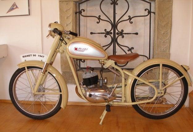 Manet M 90, prvý motocykel, ktorý vyvinuli a vyrobili na Slovensku.