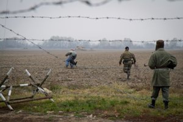 Maďarská dôchodkyňa vo voľnom čase ochraňuje vlasť pred ilegálnymi prisťahovalcami.