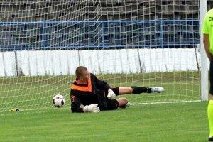 Pri penalte posla Vajagič brankára do druhej strany.