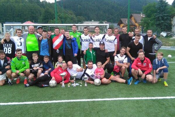 Účastníci futbalového turnaja v Turí.