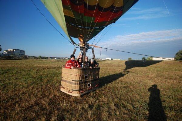 Aj deti si prídu na svoje, čaká ich kotvený let balónom.