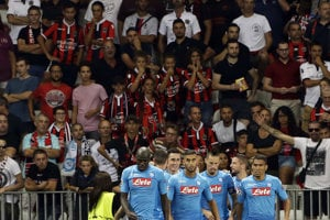Neapol vyhral aj v Nice zhodne 2:0 a postúpil do skupinovej fázy Ligy majstrov.
