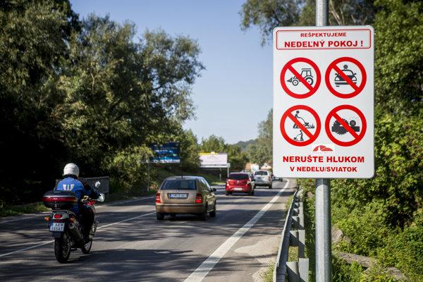 Na dodržiavanie nedeľného a sviatočného pokoja chcú v Záhorskej Bystrici do konca roka prijať aj Všeobecne záväzné nariadenie. Malo by obsahovať aj pokuty za jeho nedodržiavanie.