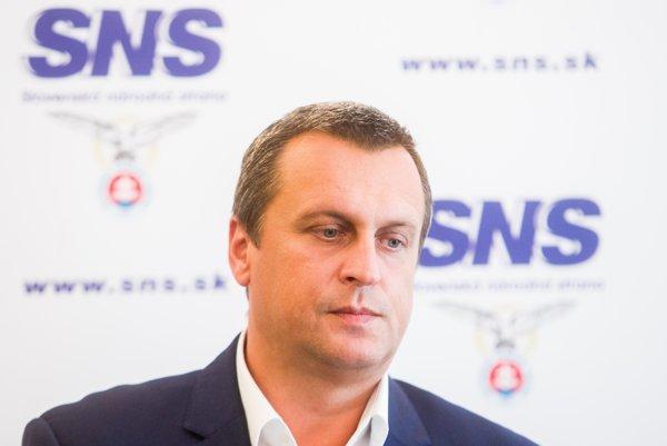 Líder SNS Andrej Danko ide na koaličnú radu v horšej pozícii než Smer.