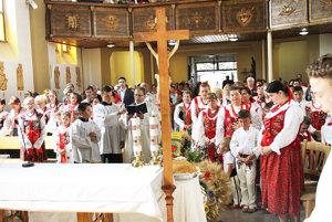 Vitanovčania ďakovali za úrodu v kostole.