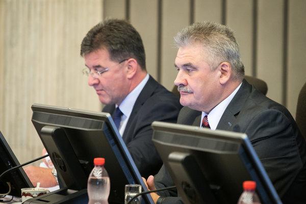 Minister zahraničných vecí a európskych záležitostí Miroslav Lajčák a minister práce Ján Richter.