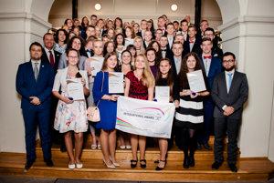 Medzinárodnú cenu vojvodu z Edinburghu si vo štvrtok prevzalo 61 mladých ľudí z východného Slovenska.