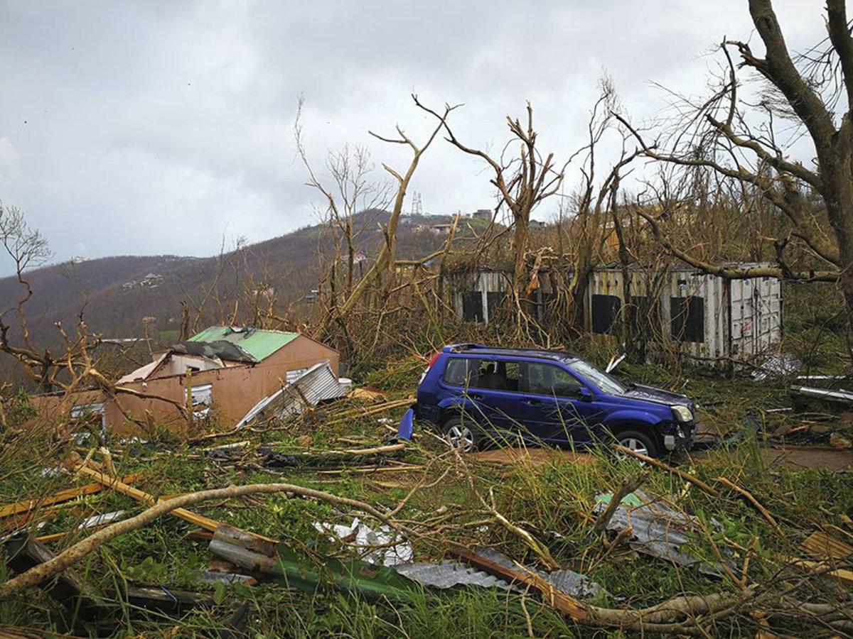 Do Karibiku smeruje ďalší hurikán. Ľudia panikária a rabujú