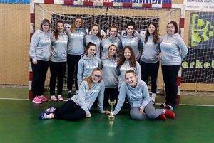 Hádzanárky z Bytče mali po turnaji dôvod na úsmev.